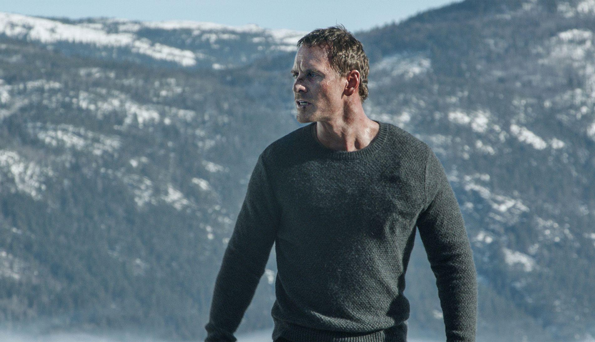 LIGGER I TOPPEN: Michael Fassbender som den norske etterforskeren Harry Hole i «Snømannen».