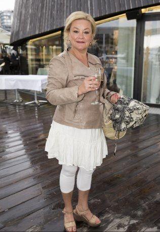 VIL SAVNE JENS AUGUST: Anette Hoff, her klar for Hotel Cæsars sommerfest. Foto: Frode Hansen