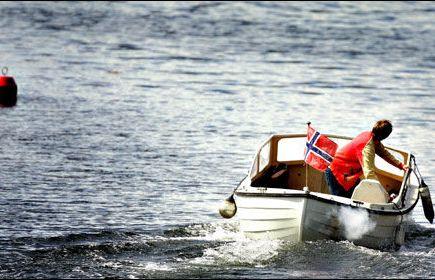Båteiere navigerer på måfå