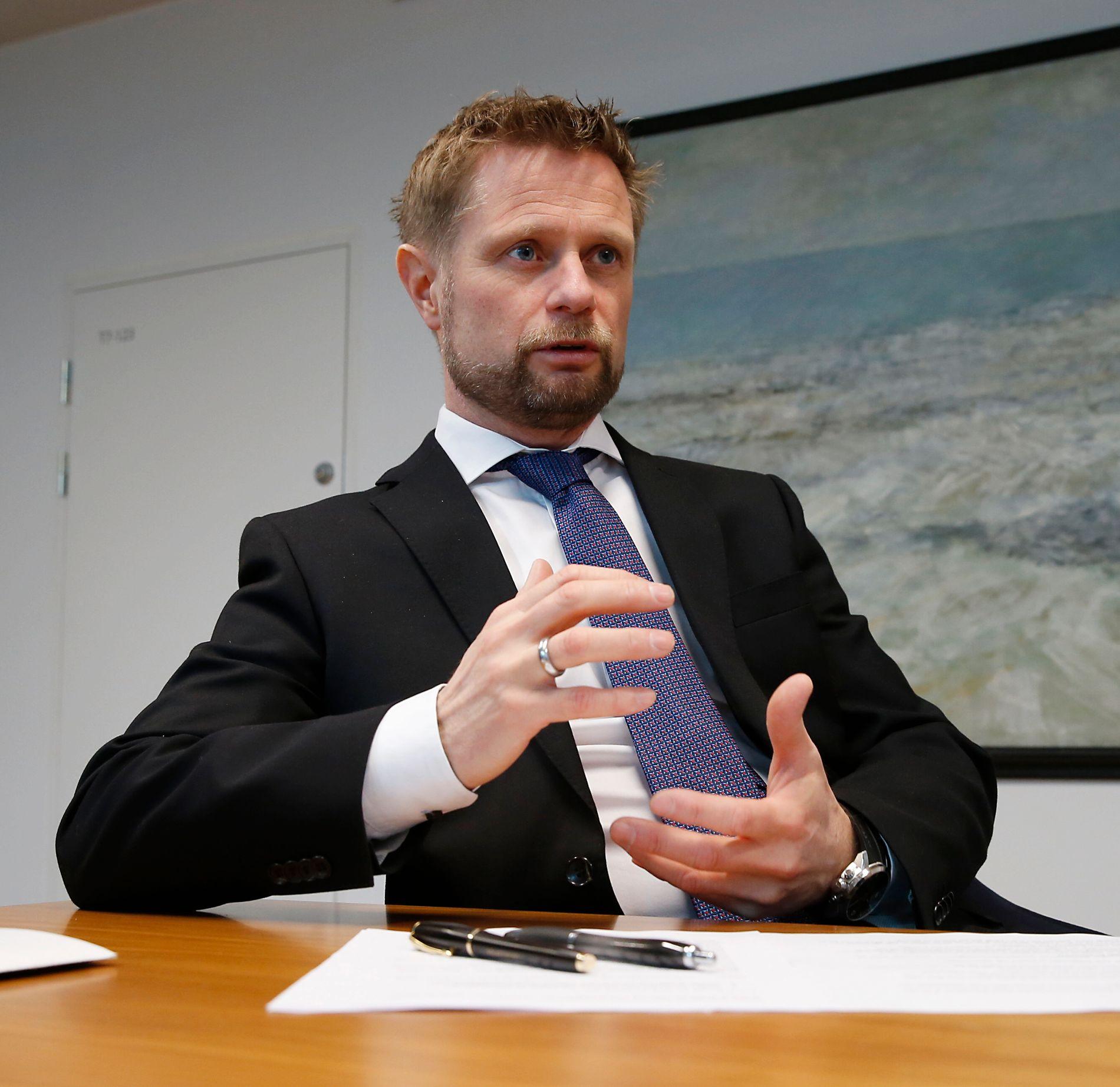 ENDRER IKKE: Helseminister Bent Høie viser til at Norge allerede går foran de andre nordiske landene.