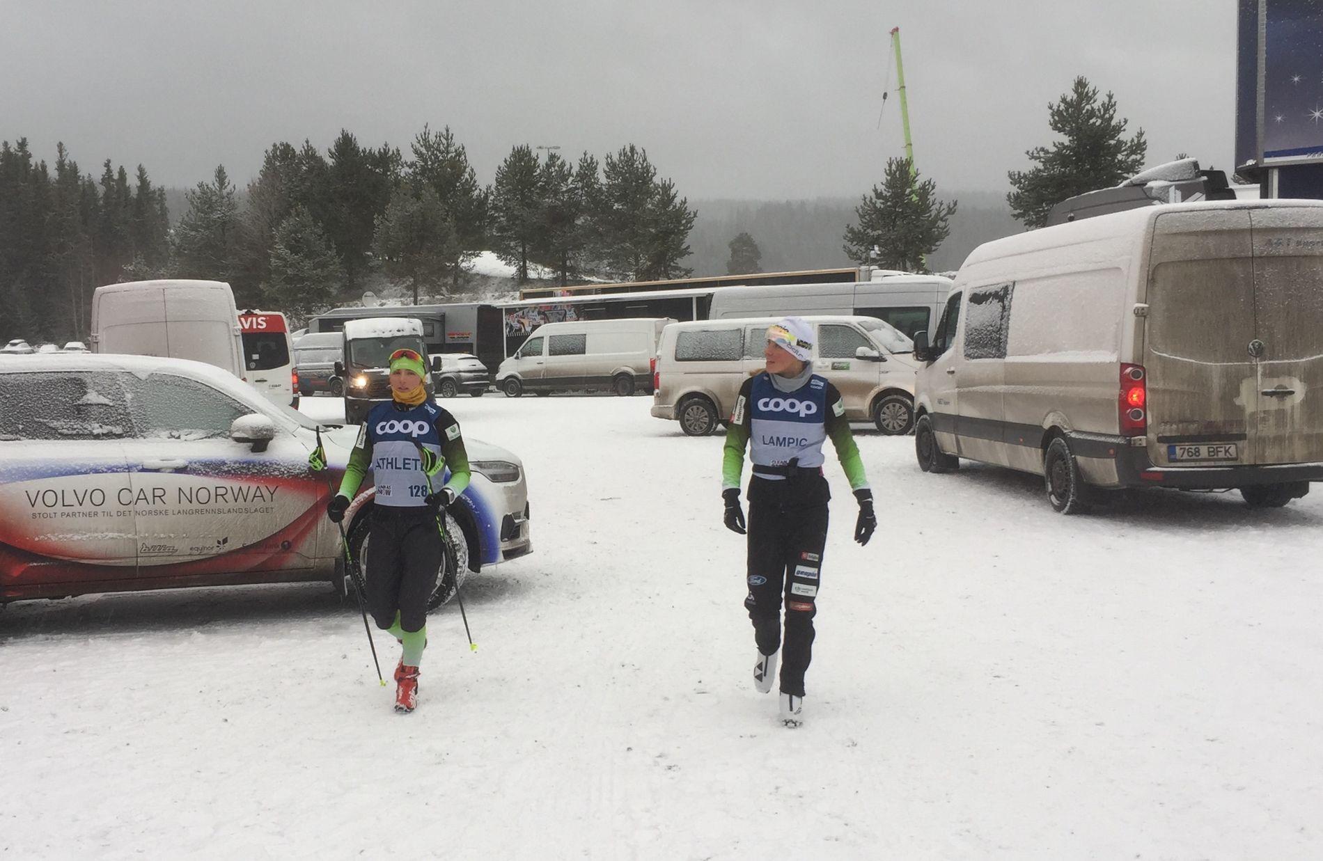 SPONSORLOGO: Slovenske løpere på vei fra trening i dag med oppvarmingstrøyene slik de egentlig ser ut med Coop-logoen.