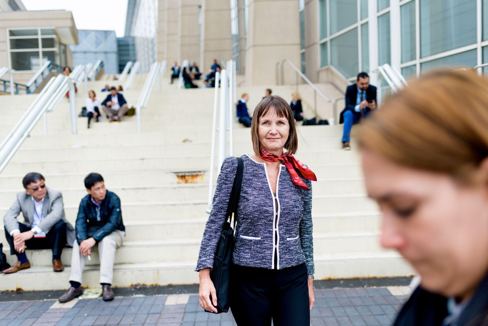 GODE RESULTATER: Anne Hansen Ree utenfor McCormick Place, hvor kreftkonferansen ASCO fant sted i år. Hun forteller om lovende resultater inne flere grener av kreftmedisin.