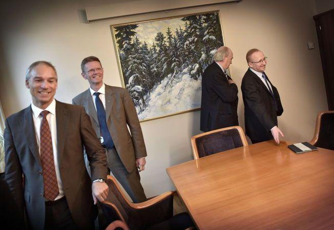 BUDJSETTKAMERATER: De vanskelige forhandlingene i Stortinget fortsetter søndag. De borgerlige partienes finanspolitiske talspersoner er f.v: Hans Olav Syversen (KrF), Terje Breivik (Venstre), Svein Flåtten (H) og Gjermund Hagesæter (Frp).