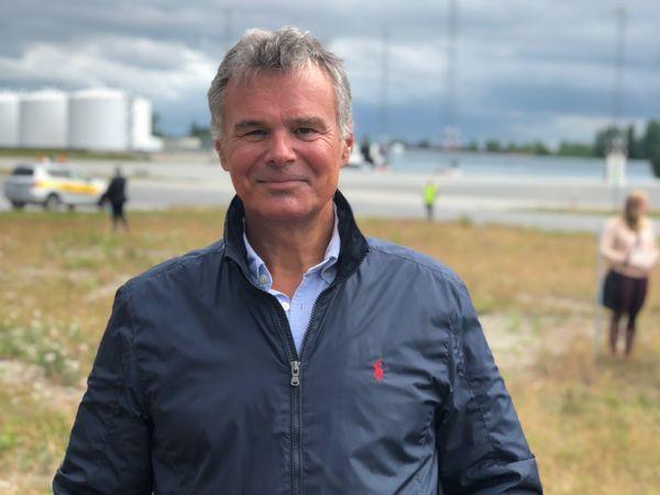Flyanalytiker Hans Jørgen Elnæs i Winair.