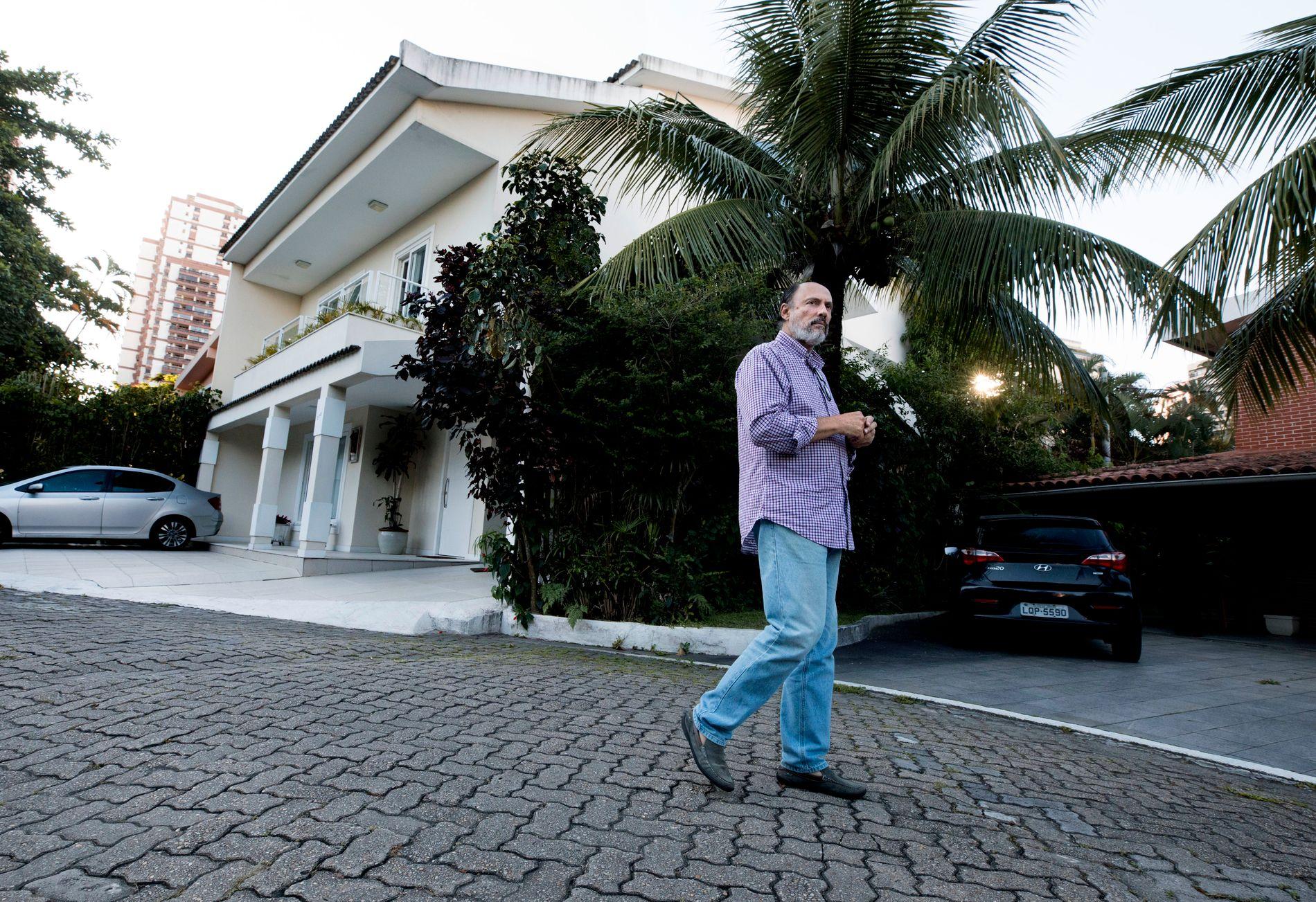 PRESIDENTENS NABO: Paulo Roberto Moreira Guimaráes rev huset som sto på tomten og bygde opp sitt drømmehjem. Han har jobbet for både Hewlett Packard og for oljeselskapet Petrobras. I 2012 startet han sitt eget konsulentselskap.
