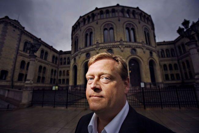 BARE DUMT: Fremskrittspartiets parlamentariske leder Harald Tom Nesvik mener Ap og Martin Kolberg bør gå i seg selv etter tirsdagens monarkiutspill.