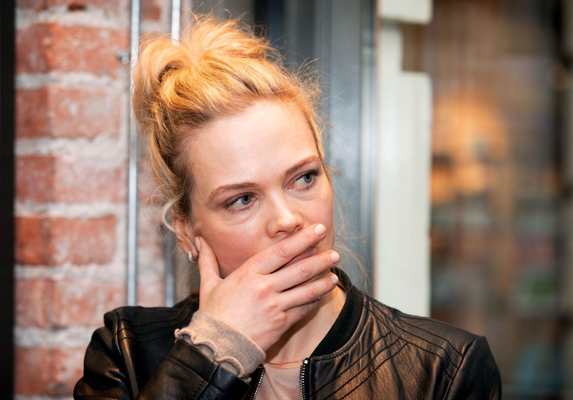 FÅR STØTTE: Skuespiller Ane Dahl Torp mener barn under 13 år ikke er modne nok for sosiale medier.