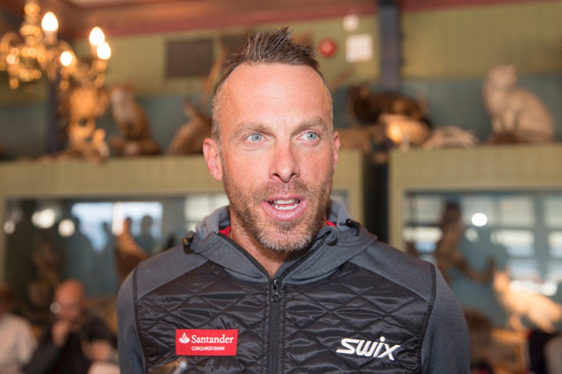 IMPONERT: Anders Aukland forteller at han kjenner igjen mye av satsingen i familien Ingebrigtsen fra sin egen familie, hvor tre brødre alle ble gode skiløpere.