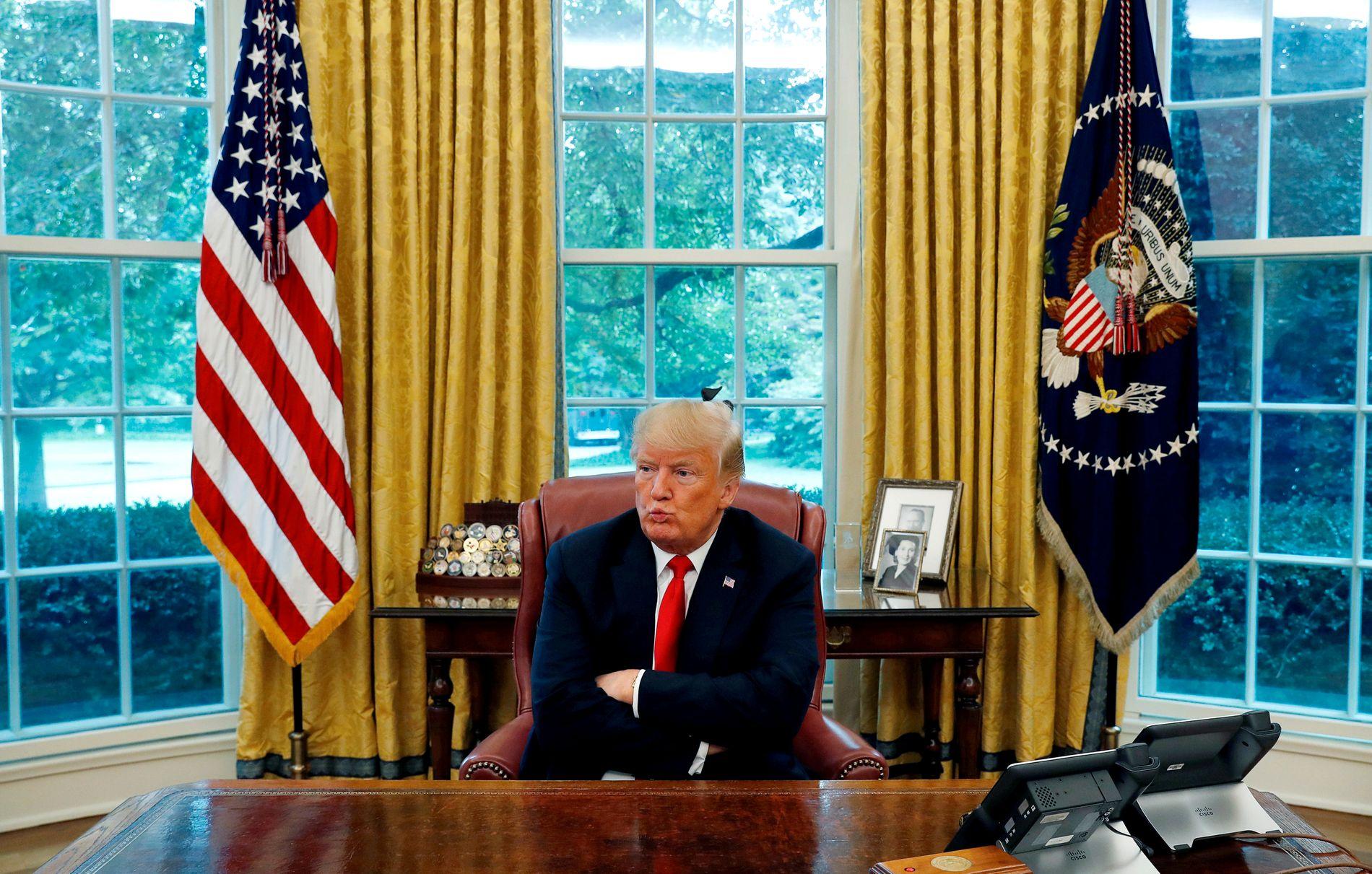 SENSUR: Donald Trump hevder at sosiale medier som Twitter og Facebook sensurerer personer fra høyresiden. Han vil imidlertid ikke si hvem det gjelder.