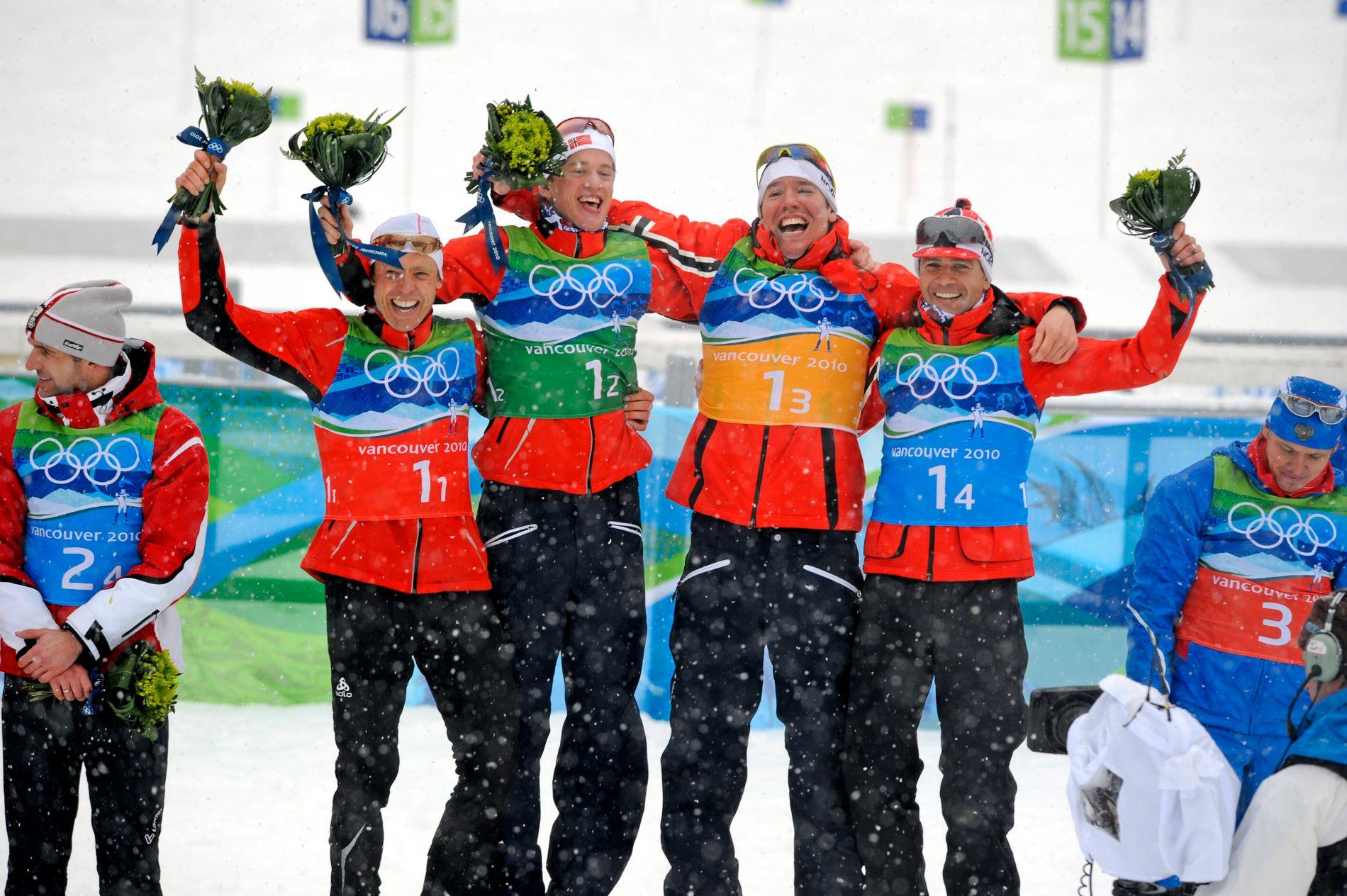 STAFETTGULL: Halvard Hanevold, Tarjei Bø, Emil Hegle Svendsen og Ole Einar Bjørndalen jubler for OL-gull på stafetten i 2010.