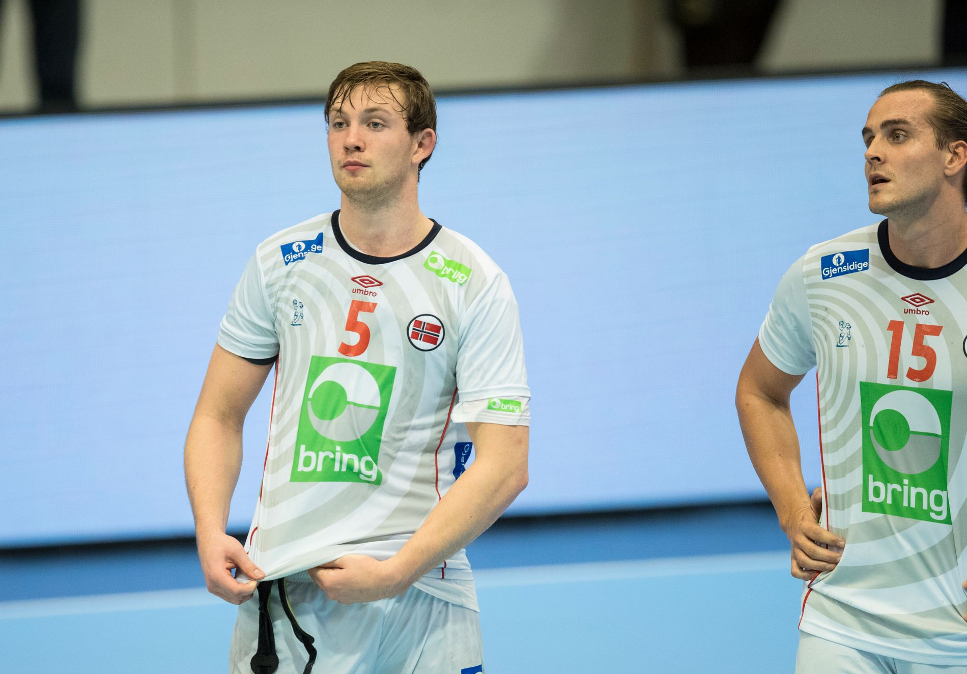 SLO LAGKAMERATEN: Sander Sagosen og  Kent Robin Tønnesen spiller sammen på landslaget. Søndag vant Sagosen i Champions League mot Tønnesen.