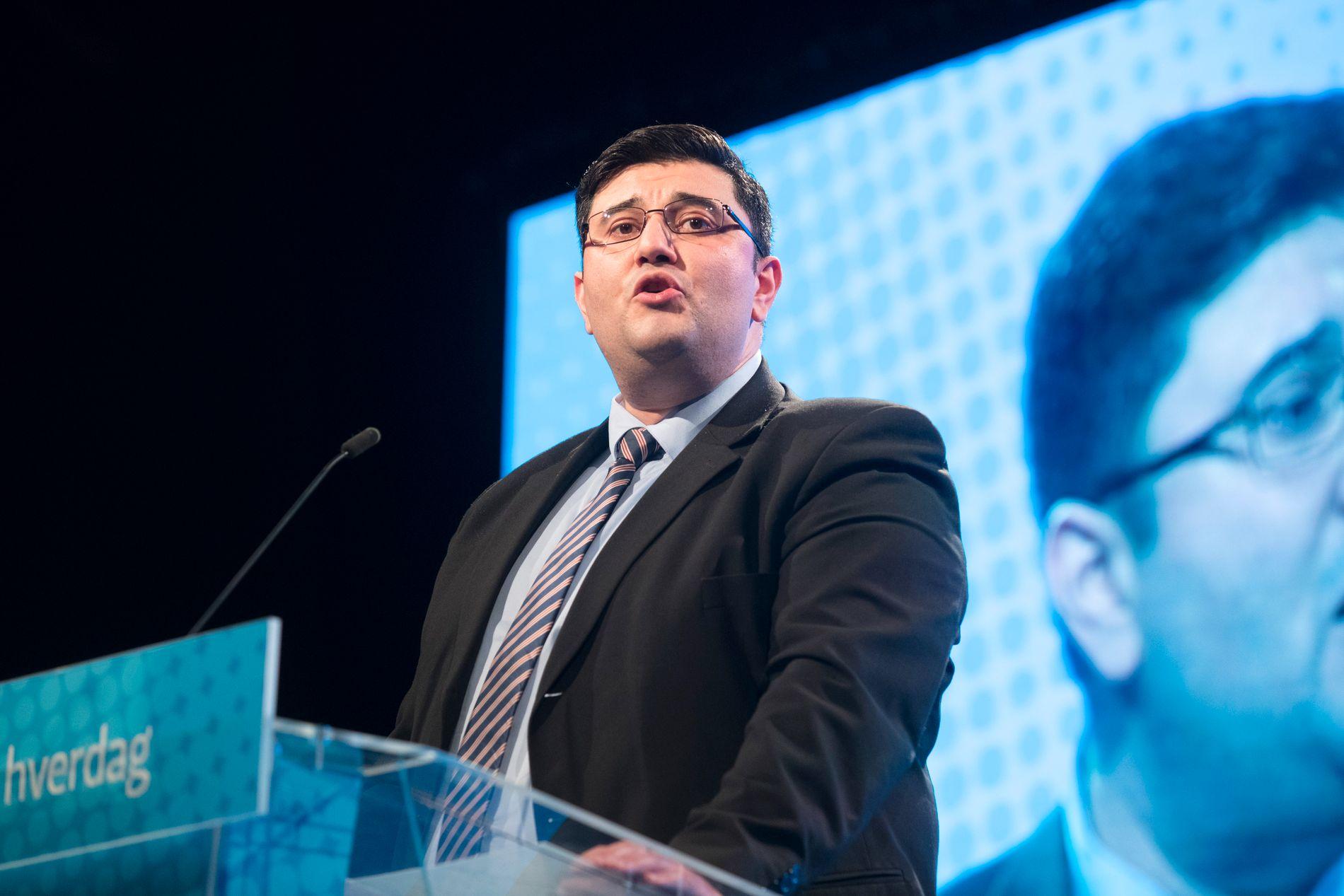 TILBAKE: Fremskrittspartiets Mazyar Keshvari var tirsdag tilbake på jobb på Stortinget.