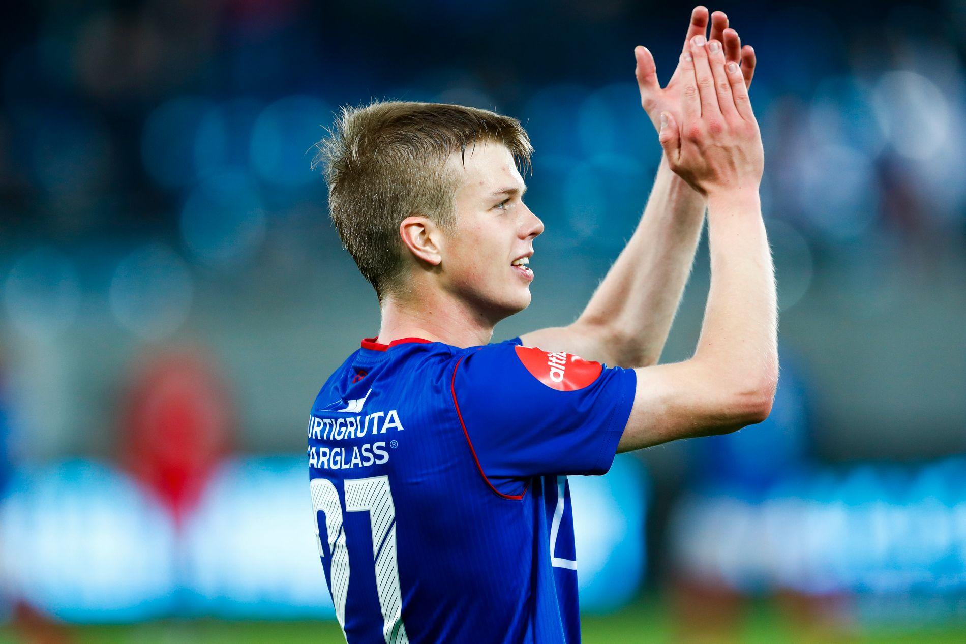 LØNNSOMT: Islandske Samúel Kári Fridjónsson jubler etter eliteseriekampen i fotball mellom Vålerenga og Brann i Oslo. VIF vant kampen 2–1 og islendingen scoret kampens første mål.