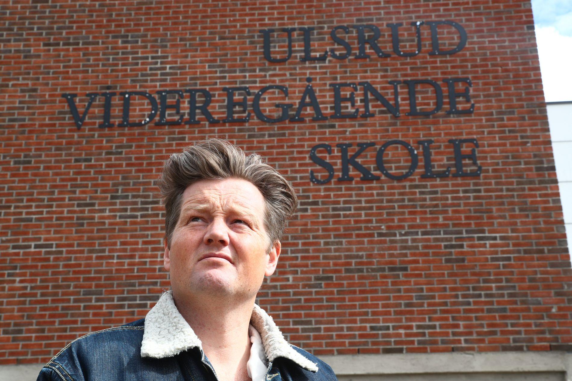 HAR PERMISJON: Simon Malkenes har dette skoleåret permisjon fra lærerjobben ved Ulsrud videregående skole i Oslo, der han blant annet har undervist i norsk.