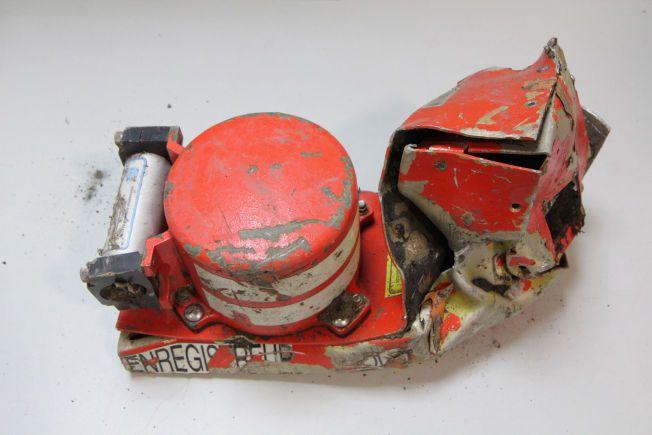 HER FANT DE SVARET: Dette er taleregistratoren fra Germanwings-flyet som styrtet i Sør-Frankrike denne uken. Det var her de fant den rystende årsaken til ulykken - at annenpiloten styrtet flyet med vilje.