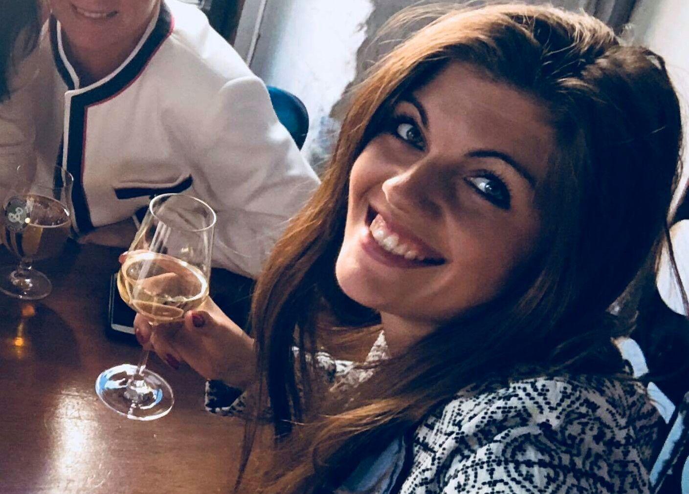 KNIVSTUKKET: Veronica Kocabvoka døde etter å ha blitt knivstukket i sommer. Hun ble begravet på sin egen bursdag.