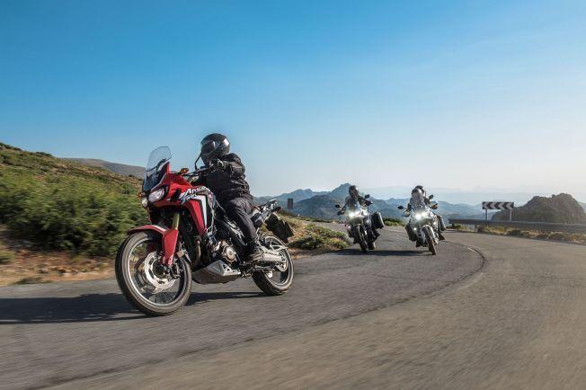 SKREDDERSYDD: Honda har innlemmet nye Africa Twin blant CRF-modellene, de er skreddersydd for terrengkjøring, men fungerer nok godt på landeveien også.