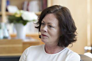 LYTTER: Barneminister Solveig Horne skal lage nasjonal strategi mot barnefattigdom.