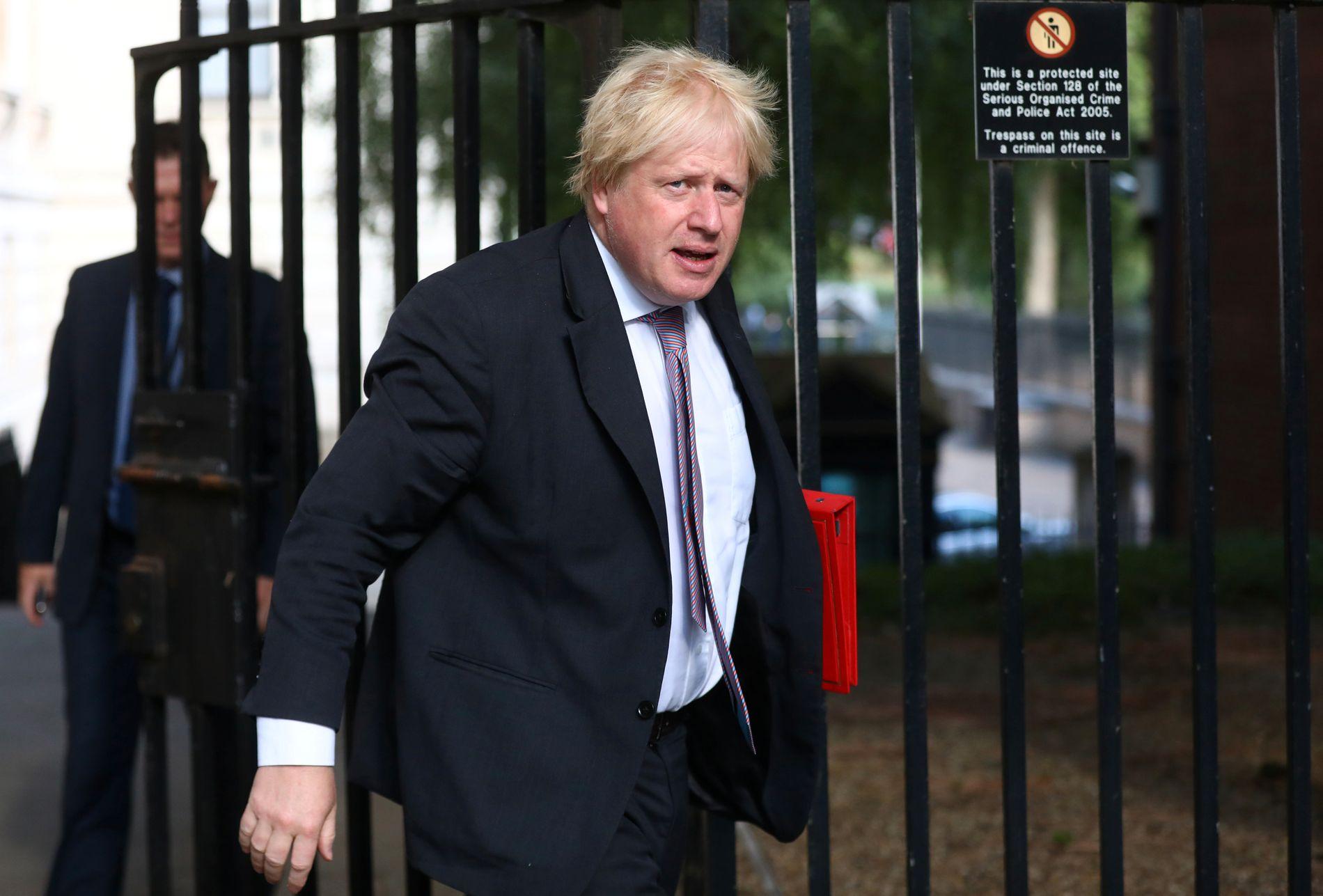 GÅR AV: Storbritannias utenriksminister Boris Johnson gikk av fra stillingen mandag. Her avbildet i forrige uke.
