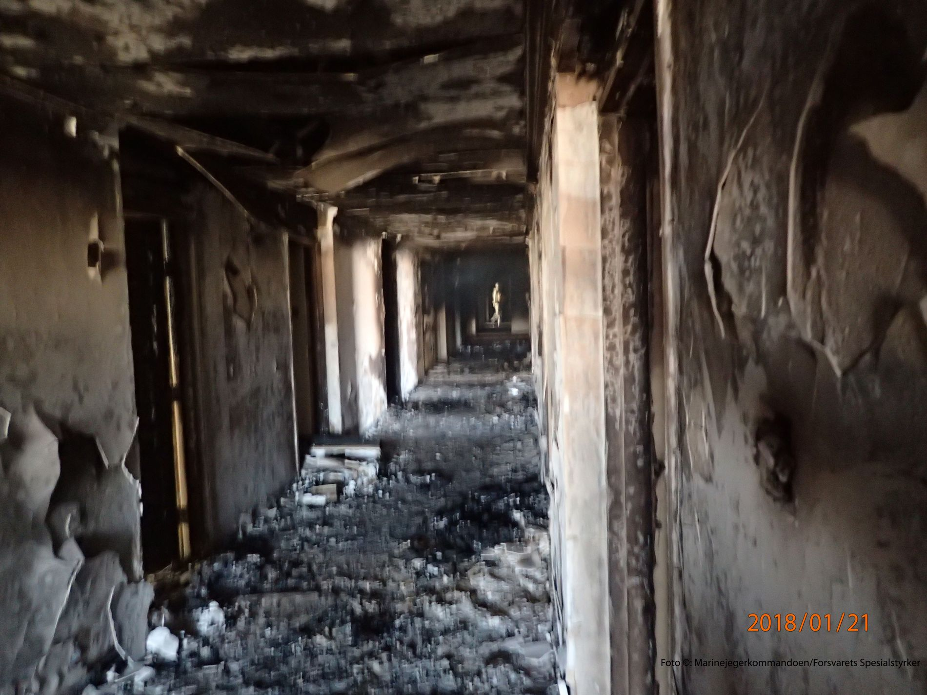 TOTALSKADD: Flere av hotellets etasjer var utbrent som følge angrepet. Bilde er fra de øverste etasjene i hotellet.