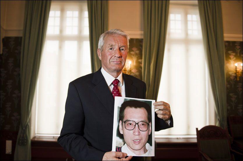 STERKE REAKSJONER FRA KINA: Leder Thorbjørn Jagland i Nobelkomiteen offentliggjorde fredag at Liu Xiaobo tildeles Nobels fredspris 2010. Foto: Scanpix
