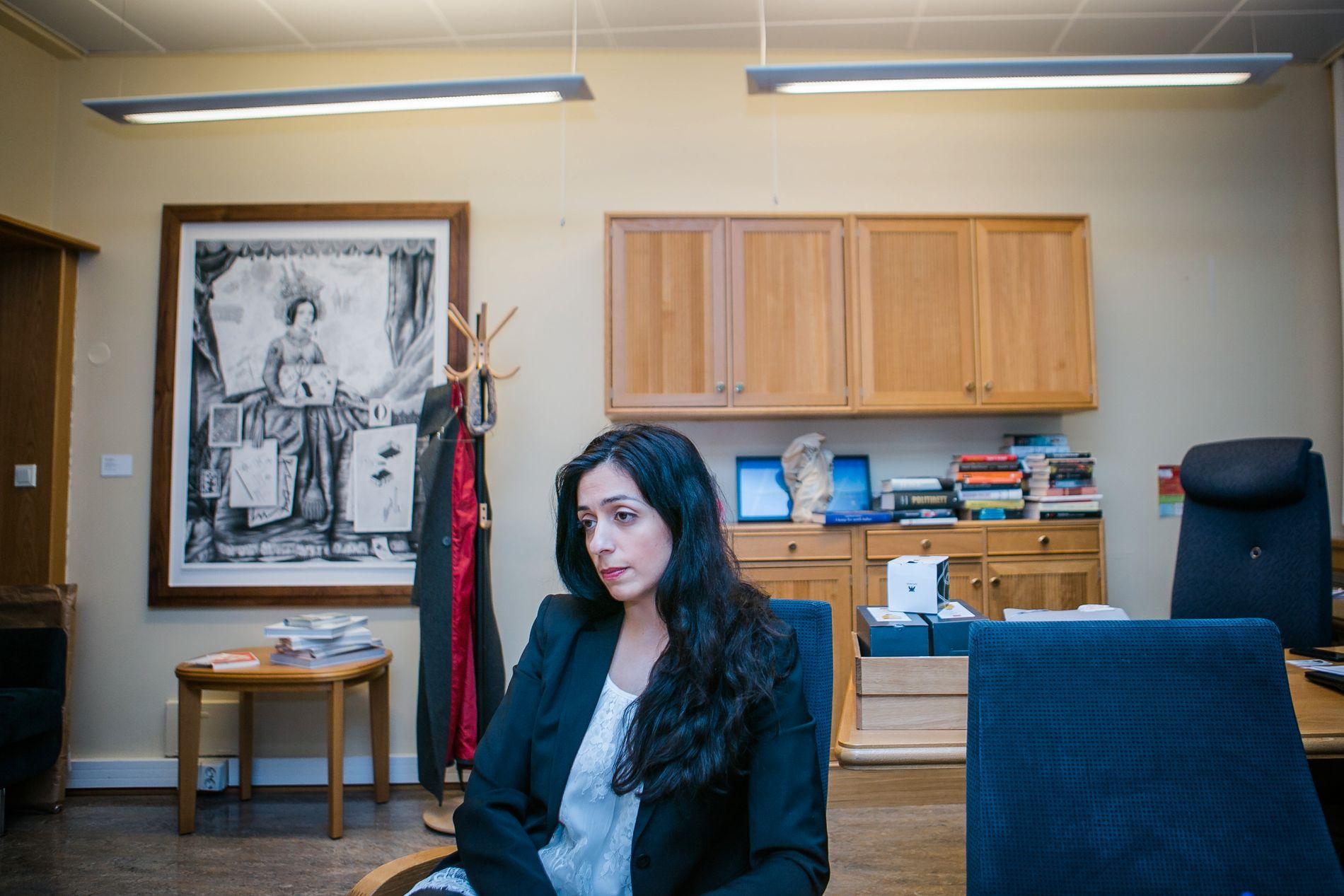 VIL LEGGE NED OG BYGGE OPP NY ORDNING: Ap nestleder Hadia Tajik møtte VG på Stortinget søndag ettermiddag, for å fortelle om au pair-ordningen i Norge.