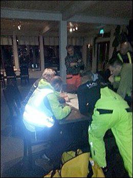 OPERATIV: Her planlegges redningsaksjonen med Røde Kors, politiet og Norske redningshunder. Foto: NORSKE REDNINGSHUNDER