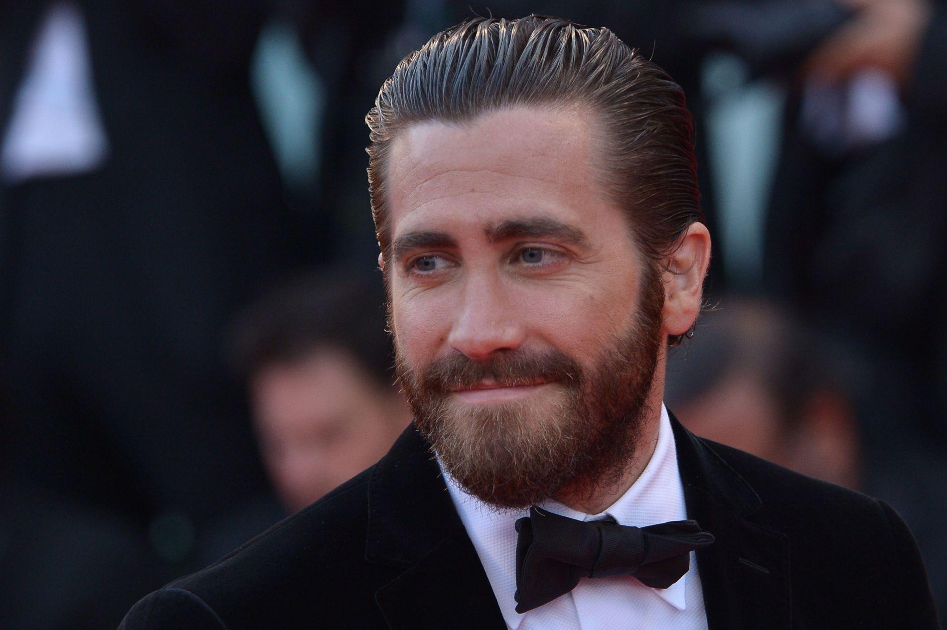 I FINSTASEN: Her er skuespiller Jake Gyllenhaal avbildet på den røde løperen på filmfestivalen i Venezia, i forbindelse med premieren av hans fjellklatrer-film «Everest».