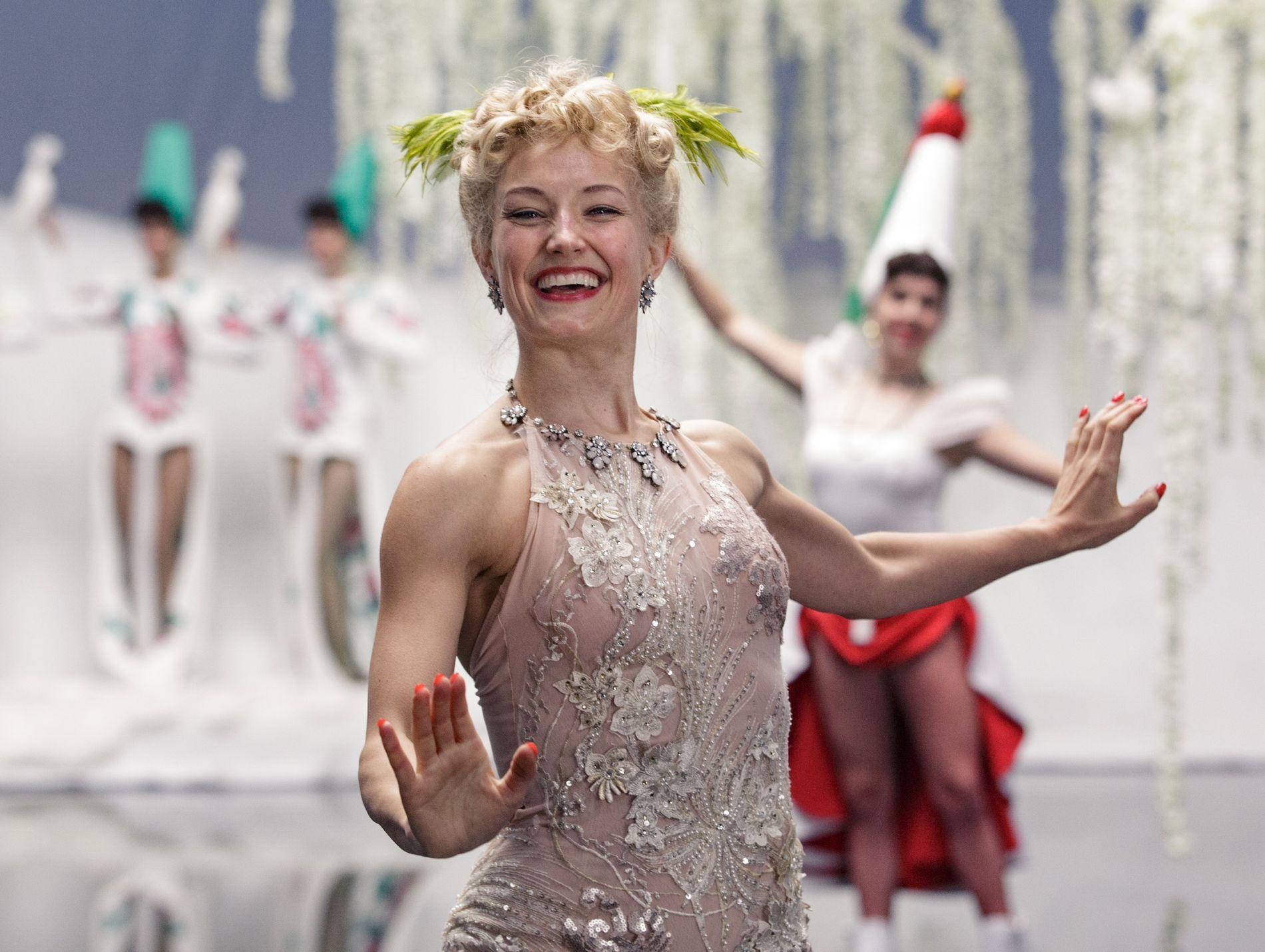 HOVEDROLLE: Ine Marie Wilmann i en scene fra den kommende filmen om Sonja Henie.