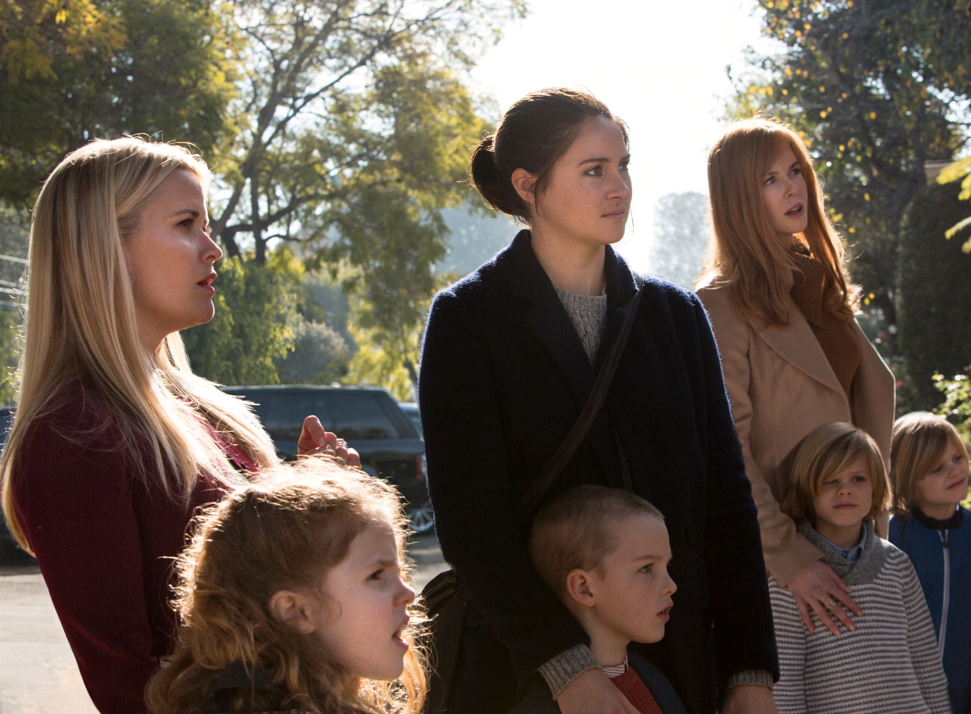 IDYLL: Småbyidyllen brister i «Big Little Lies». Her mer Reese Witherspoon, Shailene Woodley og Nicole Kidman. Foto: HBO