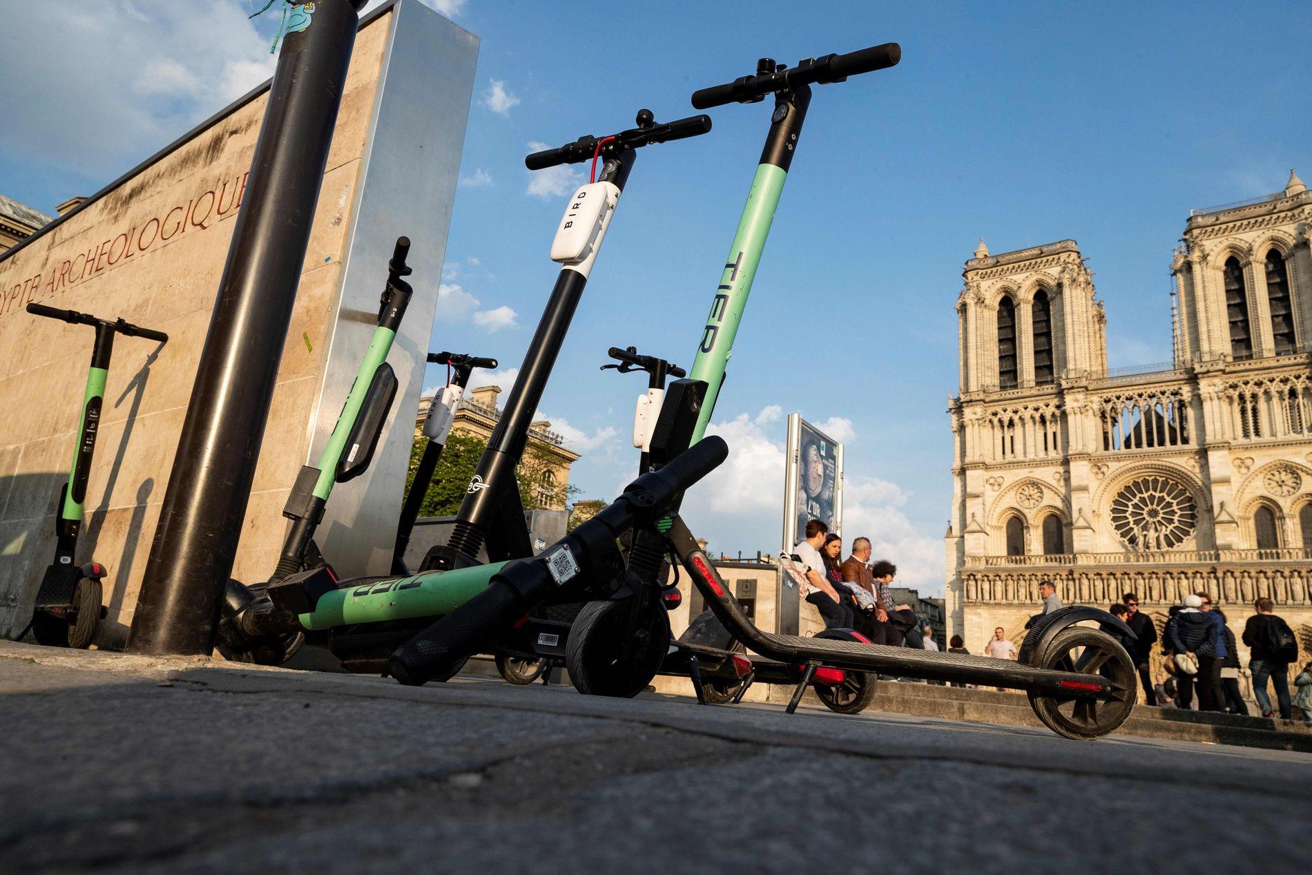 POPULÆRT: Mange europeiske byer har de populære sparkesyklene. Her fra Paris tidligere i år.