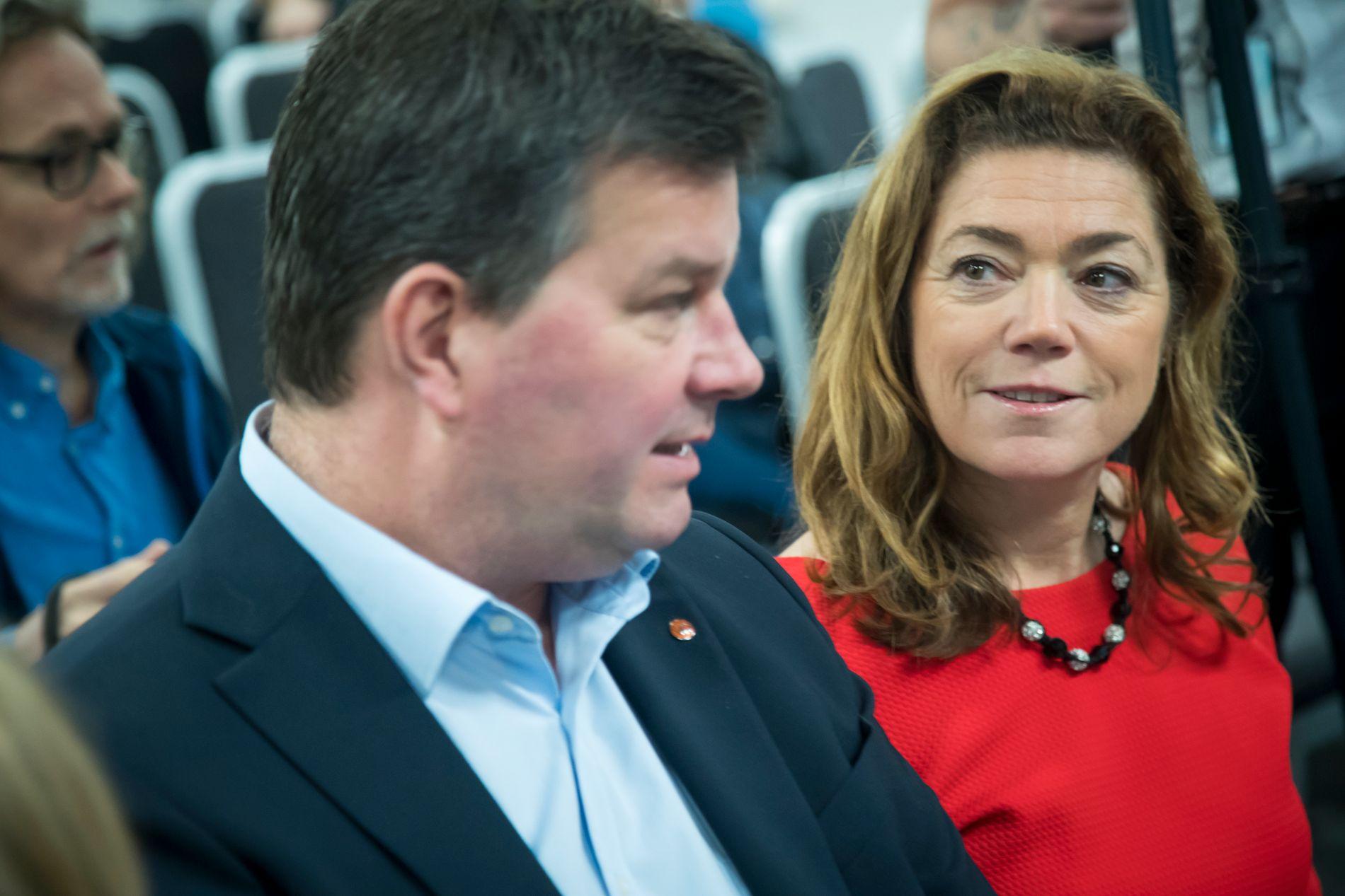 LITEN, MEN STOR AVSTAND: De er i hovedsak enige om pengene, NHO-sjef Kristin Skogen Lund og LO-leder Hans-Christian Gabrielsen, men fortsatt er  det endel prinsipper å forhandle om i årets hovedoppgjør.