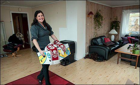 DRO FRA BERGEN: Marion Gamst (28) ønsket å bosette seg i hjembyen Bergen, men innså at hun som enslig ikke hadde en sjanse på boligmarkedet. Boligdrømmen ble i stedet oppfylt på Selbustrand i Trøndelag, med en enebolig til 1,3 millioner. Foto: VG/Scanpix