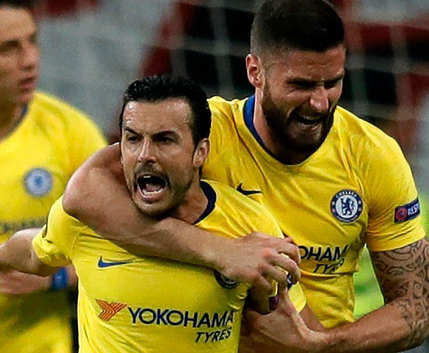 UTLIGET: Pedro sørget for 1–1, og jubler sammen med Olivier Giroud.