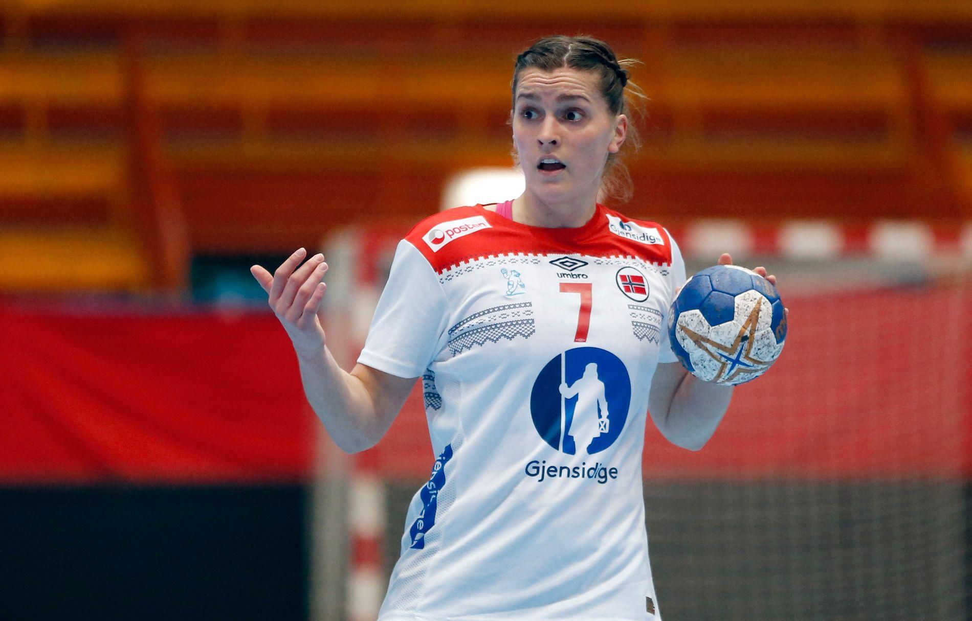 GRAVID: Stine Skogrand er gravid. Nå tar hun håndballpause. Her fra landskampen mellom Norge og Kroatia i mars.