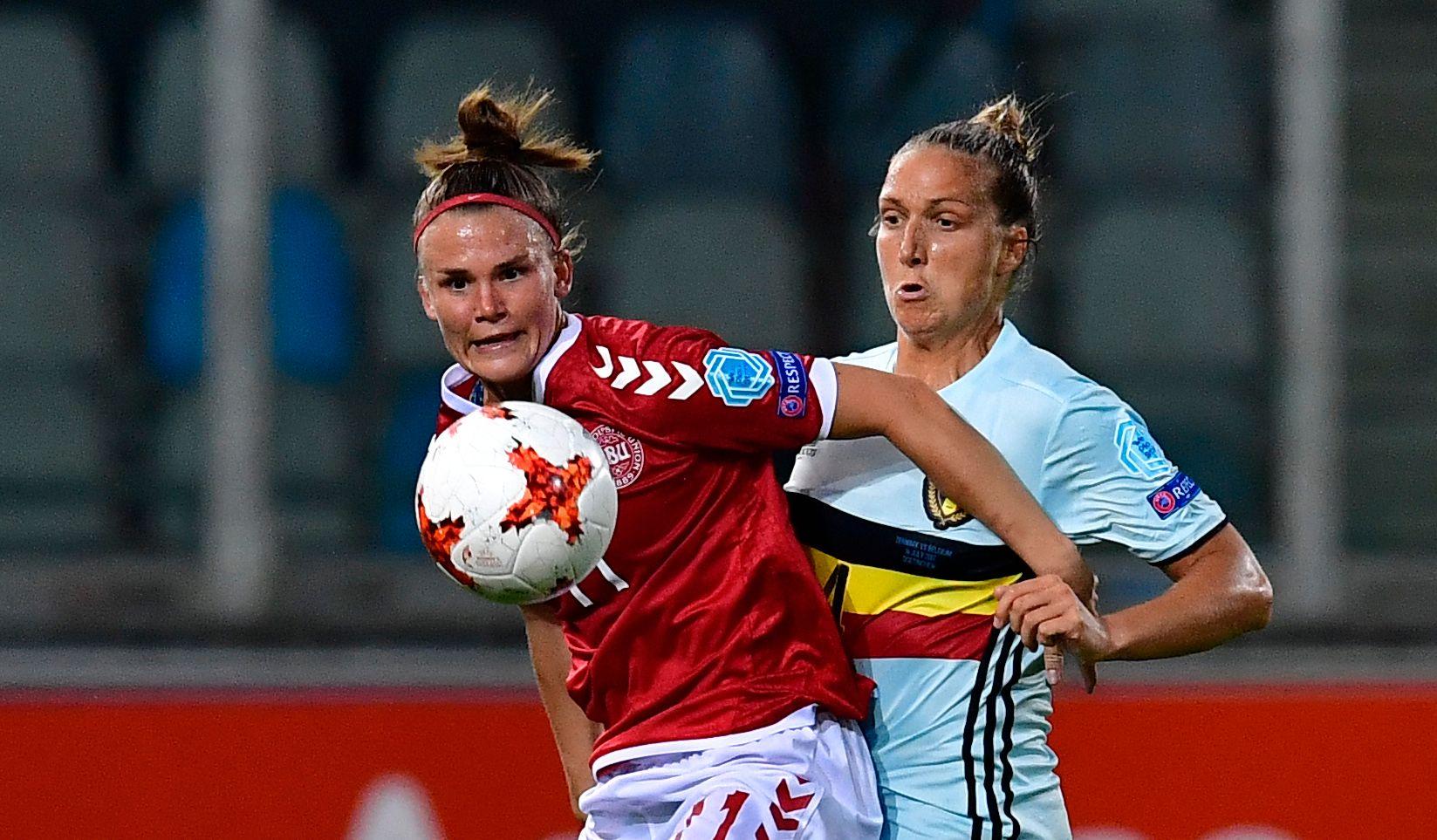 DANSK SEIER: Danmark og Katrine Veje slo Maud Couterelees og Belgia 1-0 i åpningskampen.