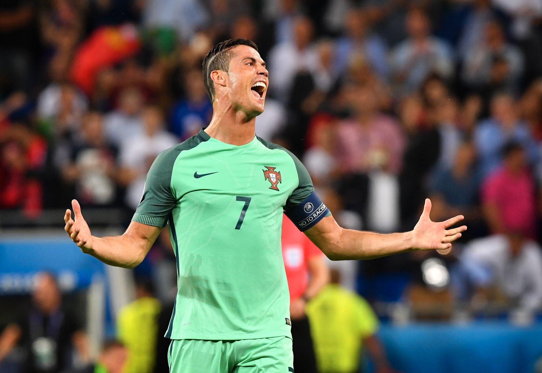 TO PÅ TRE: Det er ikke mye som tyder på at Cristiano Ronaldo tenker å ta foten av gasspedalen.