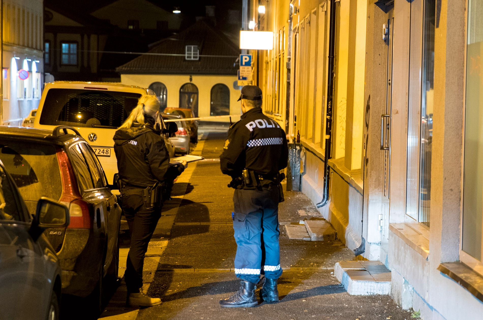 RESOLUTION: The police are in a place with several patrols on Osterhaus Street in Oslo from night to friday.