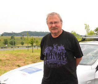 MER I VENTE: – Jeg har en følelse av at det er mer i tjømda, sier sier biljournalist og bransjeekspert Jon Winding-Sørensen i Bilforlaget.