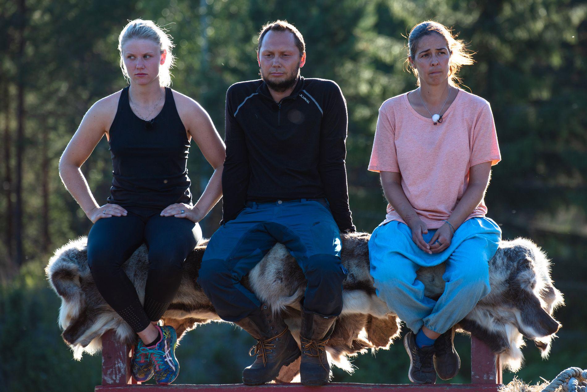 KONSENTRERTE: Tiril Sjåstad Christiansen og Ronald Pulk er fortsatt med i «Farmen kjendis». Det er ikke Mina Hadjian.