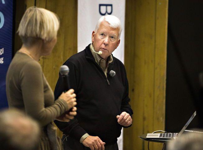 BAKMANN: Her er professor Charles Arntzen, en av forskerne bak ebolamedisinen ZMapp, under et foredrag ved Universitetet i Ås i forrige uke.