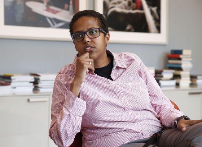 ETTERLYSER SIKKERHET: Amal Aden frykter at hun taper sin frihet til å ytre seg, fordi politiledelsen ikke beskytter henne bedre – stikk i strid med statsminister Erna Solbergs forsikringer om beskyttelse av ytringsfriheten.