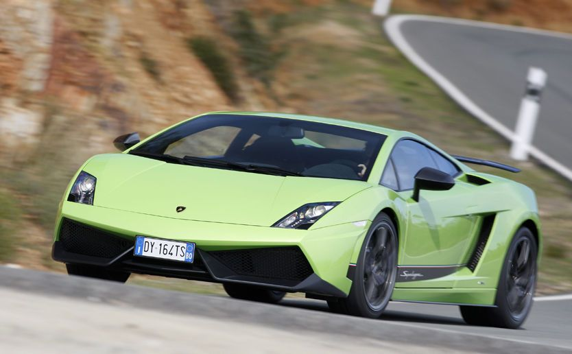 RÅ ELEGANSE: Lamborghini Gallardo Superleggera er en drøm å kjøre og en nytelse å se på. Foto: Nick Hall