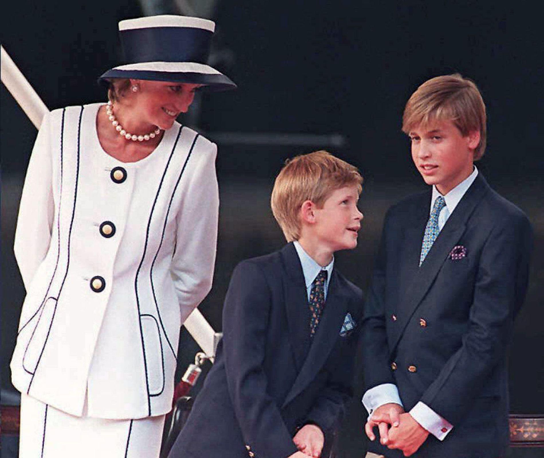 1995: Prinsesse Diana og sønnene Harry og William – to år før hun omkom.