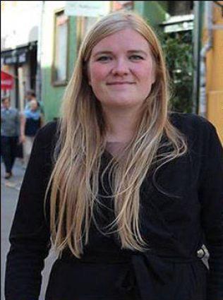 FRAKTET FLYKTNING TIL SVERIGE: Danske Annika Holm Nielsen seilte i går en flyktning fra Danmark over til Sverige.