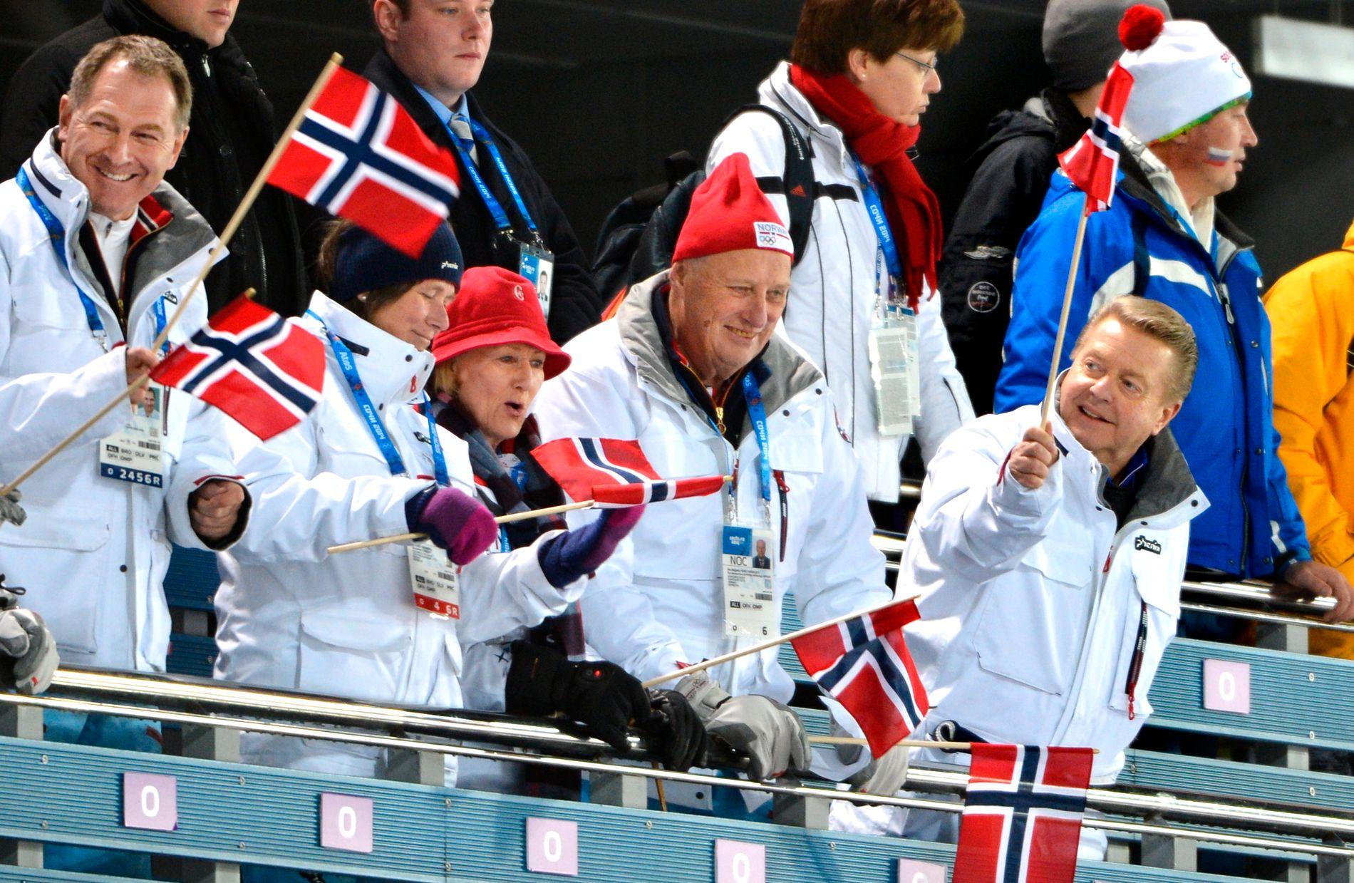 OL-TILSKUERE: Børre Rognlien (lengst til høyre) under Sotsji-OL i 2014. Videre fra høyre kong Harald, dronning Sonja, Elisabeth Seeberg og Inge Andersen.