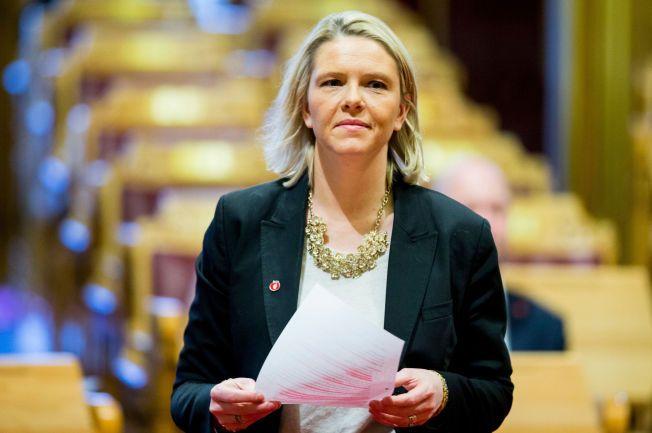 STRENG DEBUT: Innvandrings- og integreringsminister Sylvi Listhaug (Frp) har jobbet i romjulen og fremmer tirsdag en rekke innstrammings-tiltak i innvandringspolitikken.