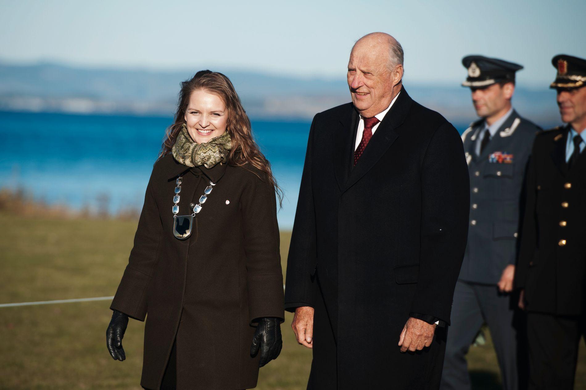 OMKOM: Malvik-ordføreren Ingrid Aune omkom i båtulykken i Namsos. Bildet er fra kong Haralds visitt i Malvik i 2016.
