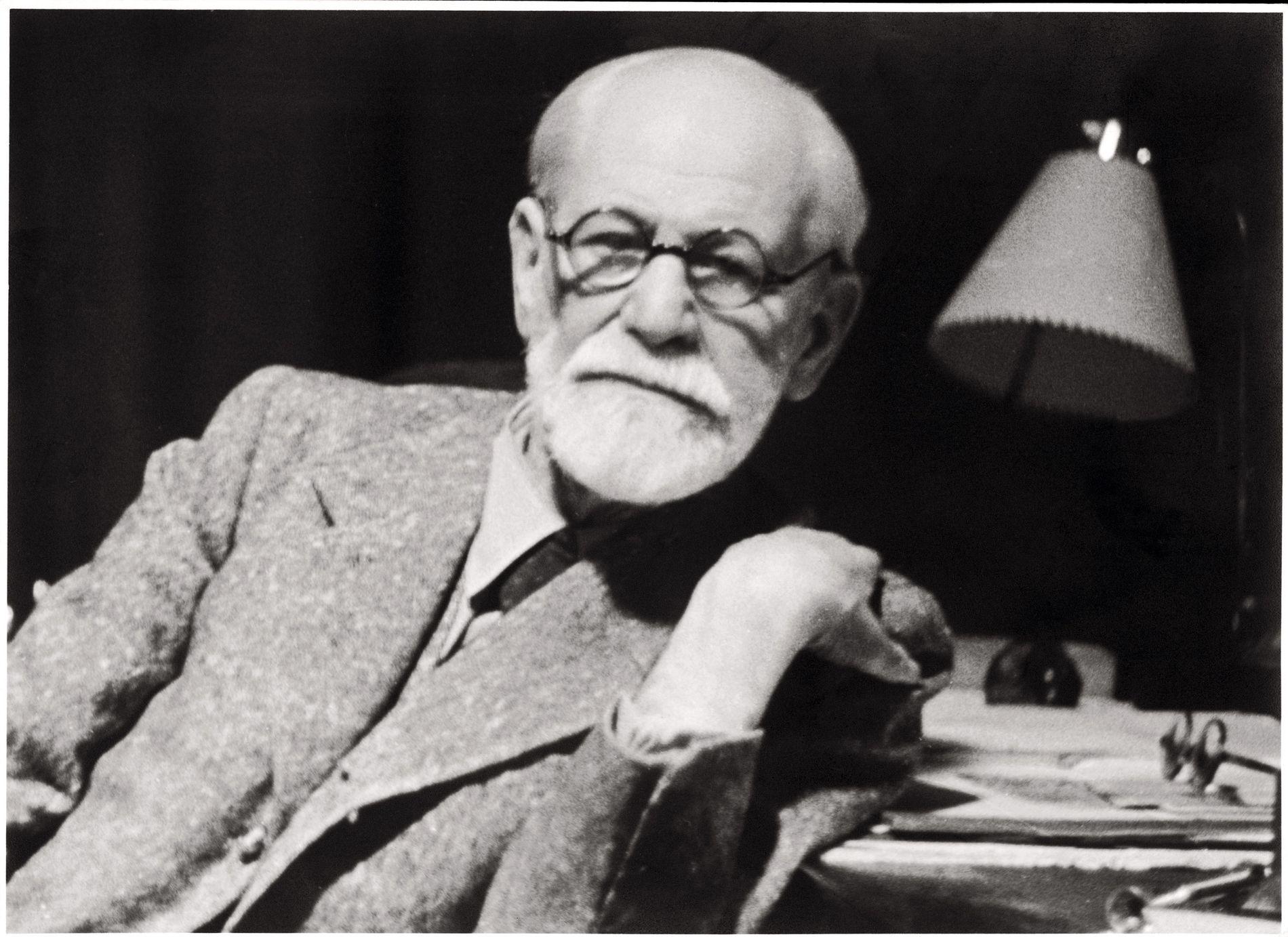 DRIFTSTEORIEN: – Sigmund Freud skrinla hele ideen om «forføringsteorien» og kom heller opp med «driftsteorien» som knytter psykiske lidelser hos voksne sammen med indre fantasier om seksualitet hos barn, til forskjell fra reelle opplevelser av overgrep, skriver Sturla Haugsgjerd.