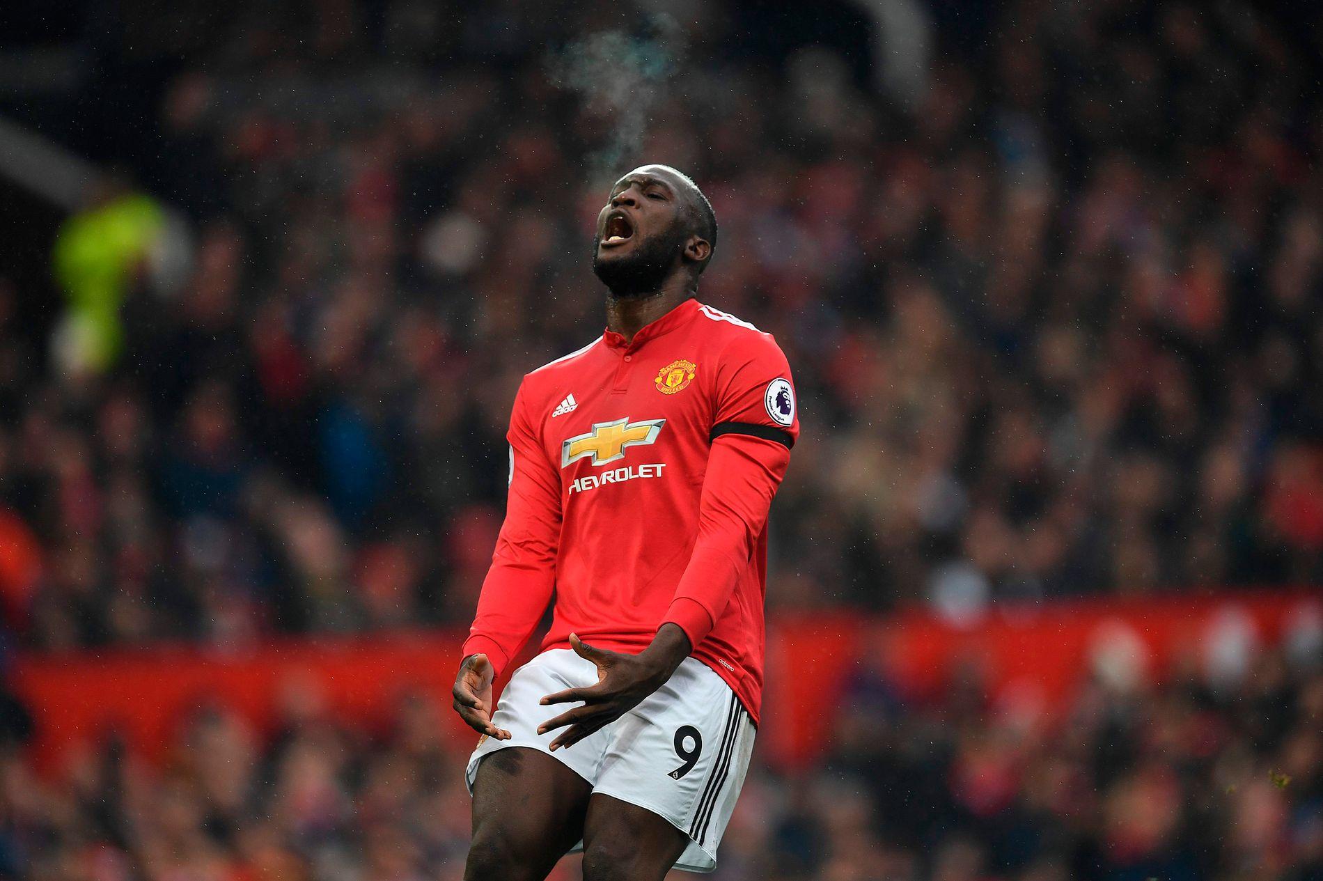 FÅR KRITIKK: Romelu Lukaku har fortsatt ikke scoret mot et topplag for Manchester United i Premier League. Her mot Huddersfield.